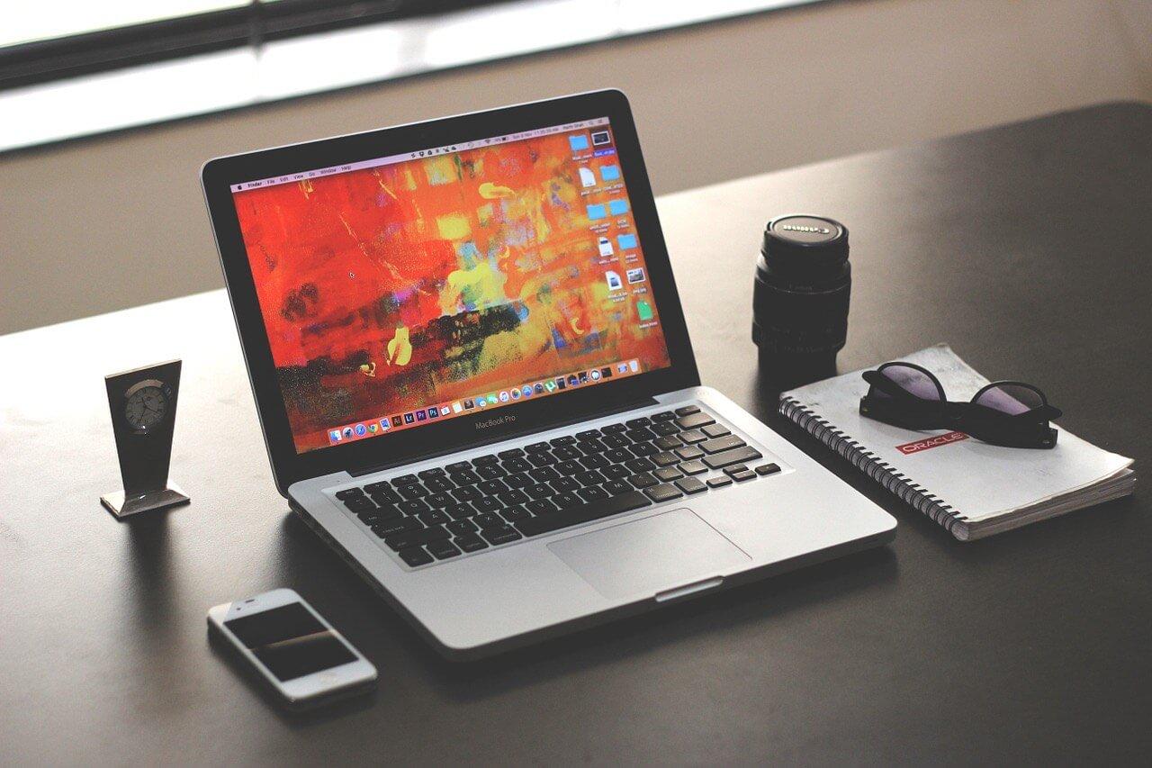 CRM(顧客管理システム)のメリットとデメリット